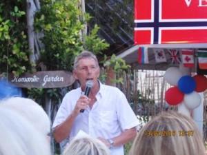 """""""Festgeneral"""" Jan-Petter ønsker velkommen"""